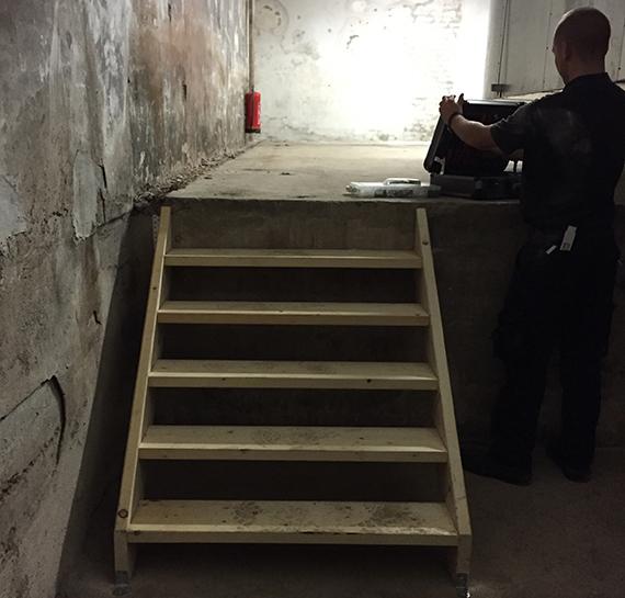 Bild:Einbau einer Treppe