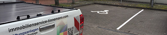 Bild:Einrichtung eines Behinderten-Parkplatzes