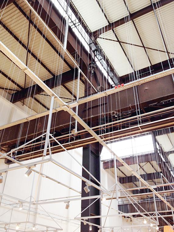 Bild:Reinigung einer Stahlträger-Konstruktion