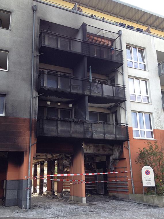 Bild:Großbrand mit Absperrung
